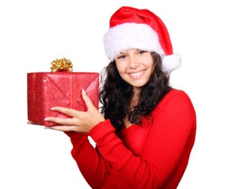 Brighten Your Holiday Smile with Teeth Whitening